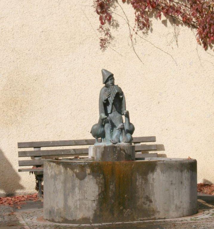 13 - Gänsehüter Brunnen Alfalter