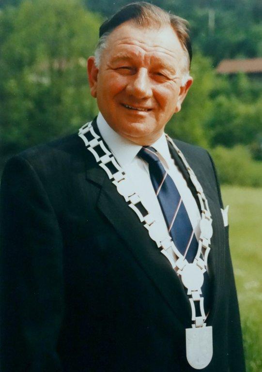 07 - Bürgermeister Richard Morner mit neuer Amtskette